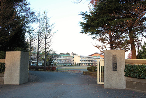 富里中学校徒歩約3km
